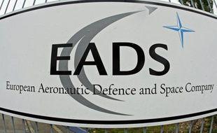 Le groupe européen d'aéronautique et de défense EADS va embaucher 9.000 personnes, dont 4.000 temporaires, en 2012, a annoncé mardi son patron Louis Gallois lors d'une conférence de presse à Hambourg.
