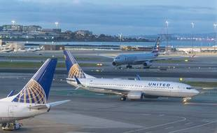 Un Boeing 737 d'United Airlines  à l'aéroport de San Francisco, le 7 mars 2020.