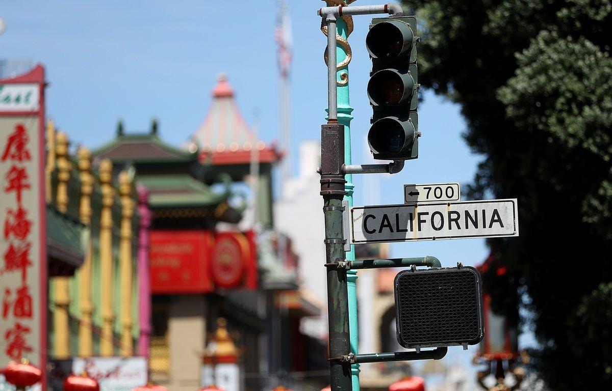 Les feux de circulation d'une partie de la ville de San Francisco ont cessé de fonctionner pendant une grande partie de la journée du 21 avril 2017 suite à une panne d'électricité.  – JUSTIN SULLIVAN / GETTY IMAGES NORTH AMERICA / AFP