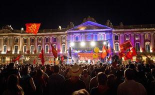 Une manifestation en faveur de l'occitan, avec des concerts, sur la place du Capitole de Toulouse, le 31 mars 2012.