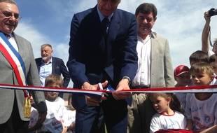 Duppigheim, le 22 mai 2016. - Arsène Wenger inaugure le stade qui porte son nom dans ce village à 3 km d'où il est né.