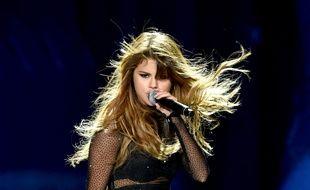 Selena Gomez partage ses doutes sur scène mais aussi sur son compte Instagram.