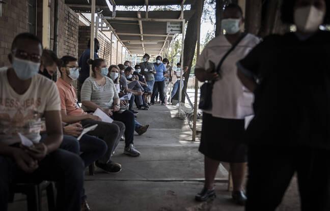 648x415 file attente afrique sud faire vacciner illustration