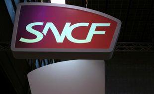 Logo de la SNCF lors du salon européen de la mobilité le 10 juin 2014