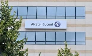 L'action de l'équipementier en télécommunications franco-américain Alcatel-Lucent décolle de près de 14% après l'annonce d'une offre d'achat de l'ensemble du groupe par Nokia