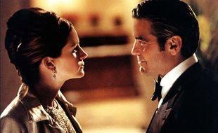 Julia Roberts et George Clooney dans Ocean's Eleven.
