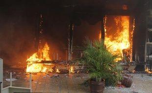 A Iguala, dans l'état de Guerrero, des manifestants ont incendié la mairie le 22 octobre 2014
