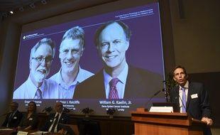 Thomas Perlmann, le secrétaire de l'Académie Nobel, a annoncé ce lundi matin les lauréats du prix Nobel de médecine.