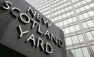 """Deux hommes soupçonnés d'avoir """"commis, préparé ou d'être les instigateurs d'actes de terrorisme"""", ont été interpellés jeudi, a annoncé Scotland Yard."""