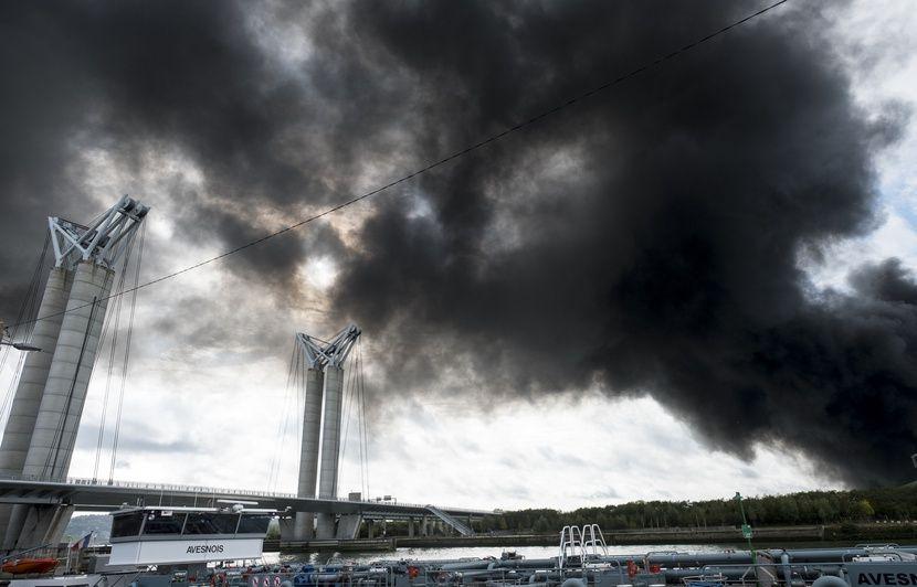 Incendie à Rouen, Astérix, policiers infiltrés... Attention aux intox de la semaine