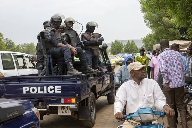 648x415 la police dans les rues de bamako au mali le 25 mai 2021