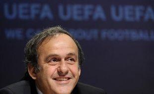 L'UEFA réfléchit à une réforme des compétitions européennes pour 2015, a déclaré son président, Michel Platini, dans un entretien à paraître dans Ouest-France mercredi, sans écarter l'idée de supprimer l'Europa League et d'élargir la Ligue des champions.