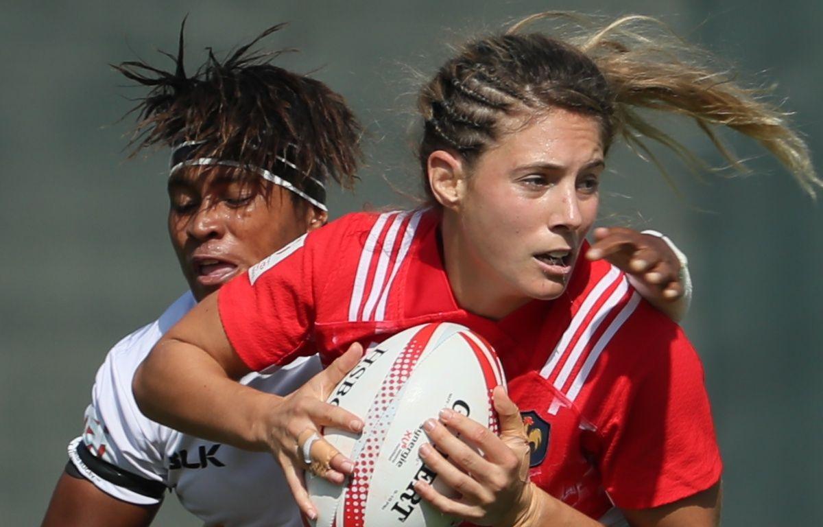 Marjorie Mayans lors d'un match de l'équipe de France de rugby à VII contre les Fidji, le 1er décembre 2016 à Dubaï.  – K. Sahib / AFP