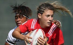 Marjorie Mayans lors d'un match de l'équipe de France de rugby à VII contre les Fidji, le 1er décembre 2016 à Dubaï.