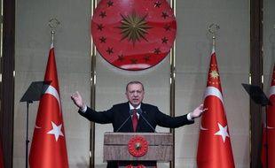 Le président turc Recep Tayyip Erdogan prononce un discours à l'occasion du deuxième anniversaire du putsch manqué, le 15 juillet 2018 à Ankara.