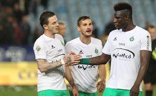 Jérémy Clément et Moustapha Bayal Sall félicitent Nolan Roux suite à son but décisif samedi à Bastia (0-1).  YANNICK GRAZIANI
