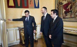 François Fillon d'un côté et François Hollande de l'autre ont reçu mercredi des représentants des cultes, en pleine polémique sur le halal et le casher afin de les rassurer