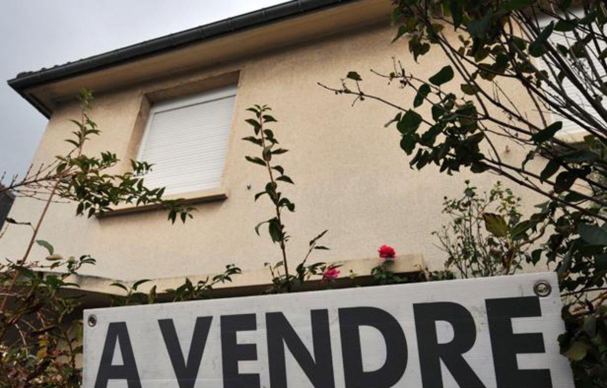 Entre 2011 et le premier semestre 2012, l'écart moyen entre le prix de vente souhaité et le prix vendu pour une maison a progressé de 50% selon Orpi. – MYCHELE DANIAU / AFP
