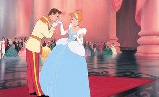 Cendrillon et son prince charmant dans le film d'animation de Walt Disney sorti en 1950.