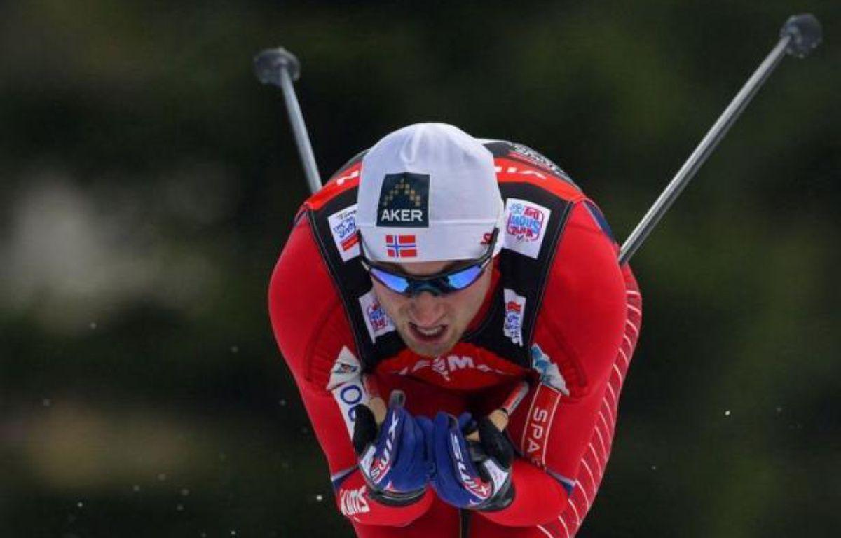 Le Norvégien Petter Northug a affiché ses ambitions sur le Tour de ski dès le prologue samedi à Oberhof en bouclant les 4 km avec six secondes d'avance sur son plus proche rival, le Suédois Marcus Hellner. – Robert Michael afp.com