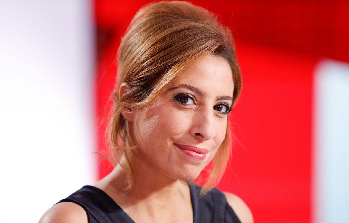 Léa Salamé sur le plateau de « L'Emission politique » qu'elle présente avec David Pujadas sur France 2. – YANN BOHAC/SIPA