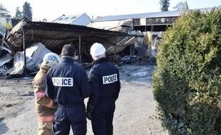 Les locaux du lycée Saint-Félix à Nantes détruits par le feu.