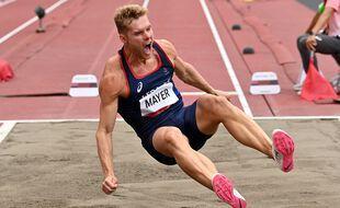 Kevin Mayer lors de l'épreuve du saut en longueur du décathlon des JO de Tokyo, le 3 août 2021.