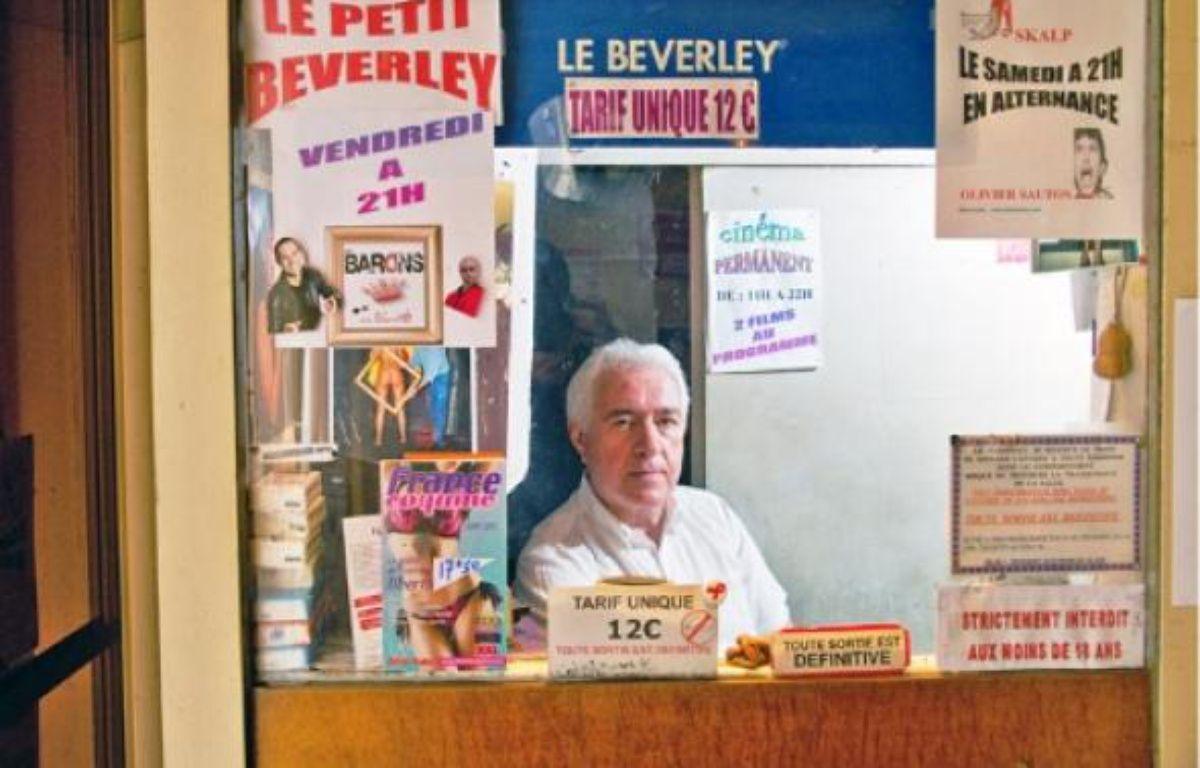 Le dernier cinéma porno de Paris, situé dans le 2e, tente de survivre en diversifiant ses activités et accueille par exemple des humoristes le vendredi. –  A. GELEBART / 20 MINUTES