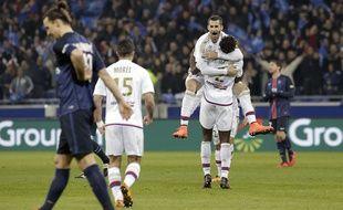 Maxime Gonalons, Mapou Yanga-Mbiwa et tous les Lyonnais n'ont pas caché leur joie au coup de sifflet final ce dimanche.