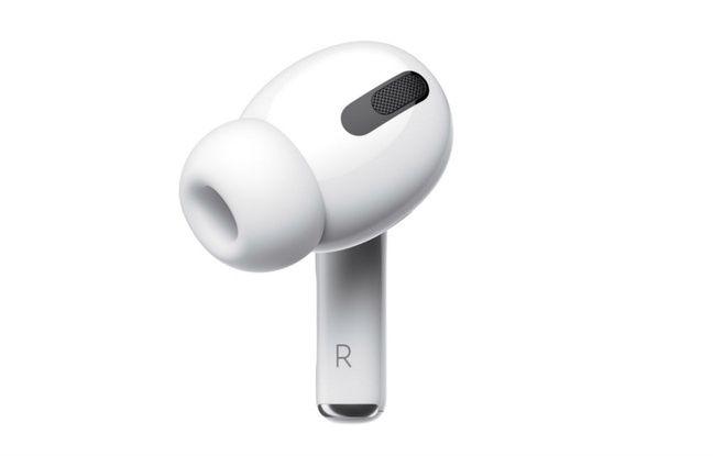 Deux micros pour réduire les bruits ambiants.