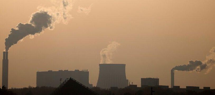 En Allemagne, des usines de production d'électricité. (illustration)