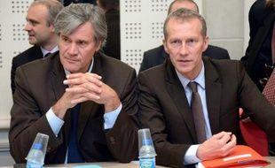 """Le ministre de l'Agriculture Stéphane Le Foll est arrivé vendredi en Bretagne pour une journée consacrée à la crise de l'agroalimentaire qui frappe la région de plein fouet, et a fixé de nouveaux enjeux: une évolution vers l'agroécologie et des filières """"sans aide à l'export""""."""