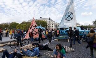 Blocage de la place du Châtelet et du pont au change à Paris par Extinction Rebellion, le 7 octobre 2019.