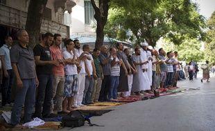 Prière du vendredi à la mosquée salafiste Al-Fath à Tunis, en Tunisie, le 21 septembre 2012.