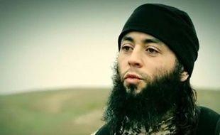 Capture d'écran, réalisée le 10 mars 2015, d'une vidéo diffusée par le groupe Etat islamique montrant le jihadiste français Sabri Essid