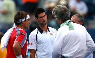 La finale messieurs de l'US Open, prévue dimanche, a été reportée à lundi car la deuxième demi-finale entre Novak Djokovic (N.2) et David Ferrer (N.4) a dû être suspendue en raison des conditions météo et ne reprendra que dimanche, ont annoncé les organisateurs.