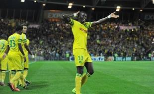 Le défenseur nantais Djilobodji célèbre la victoire du FCNantes contre Evian, le 5 octobre 2013, à La Beaujoire.
