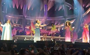 Quatre des Spice Girls (de g. à dr.: Geri Horner, Mel C, Mel B et Emma Bunton) en concert au stade de Wembley à Londres (Angleterre) en juin 2019.