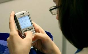 L'Agence de sécurité nationale américaine, la NSA, a récupéré près de 200 millions de textos par jour dans le monde, de façon non ciblée, pour en extraire des renseignements, rapporte jeudi le quotidien britannique The Guardian.
