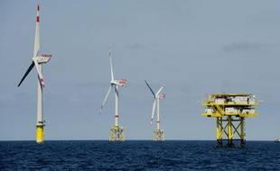 """Le site off shore """"Alpha Ventus"""", au large de l'île de Borkum, en Allemagne, compte une douzaine d'éoliennes."""