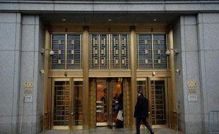 Le marchand de vins indonésien Rudy Kurniawan, un temps adulé comme l'un des plus grands experts au monde, a été reconnu coupable mercredi à New York de contrefaçon de grands crus français, une activité qui lui avait rapporté des millions de dollars.