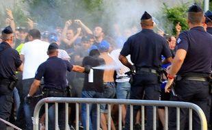Heurts entre les supporters bastiais et les forces de l'ordre avant Bastia-OM, le 9 août 2014.