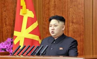 """Le dirigeant nord-coréen Kim Jong-Un a annoncé mardi un """"virage radical"""" pour redresser l'économie exsangue du pays tout en réaffirmant les ambitions militaires du régime après le tir réussi d'une fusée considérée par ses détracteurs comme un missile balistique."""