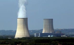 La centrale nucléaire de Golfech, dans le Tarn-et-Garonne, le 6 août 2015. La part du nucléaire dans le mix électrique français est l'un des enjeux forts de la future programmation pluriannuelle de l'énergie.