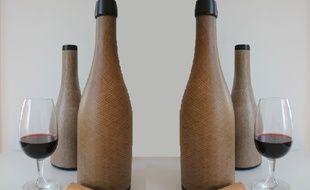 Les bouteilles en fibres de lin développées par la start-up toulousaine Green Gen Technologies.