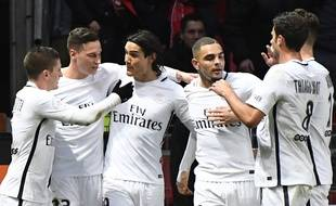 Julian Draxler fête un but lors du match entre Rennes et le PSG le 14 janvier 2017.