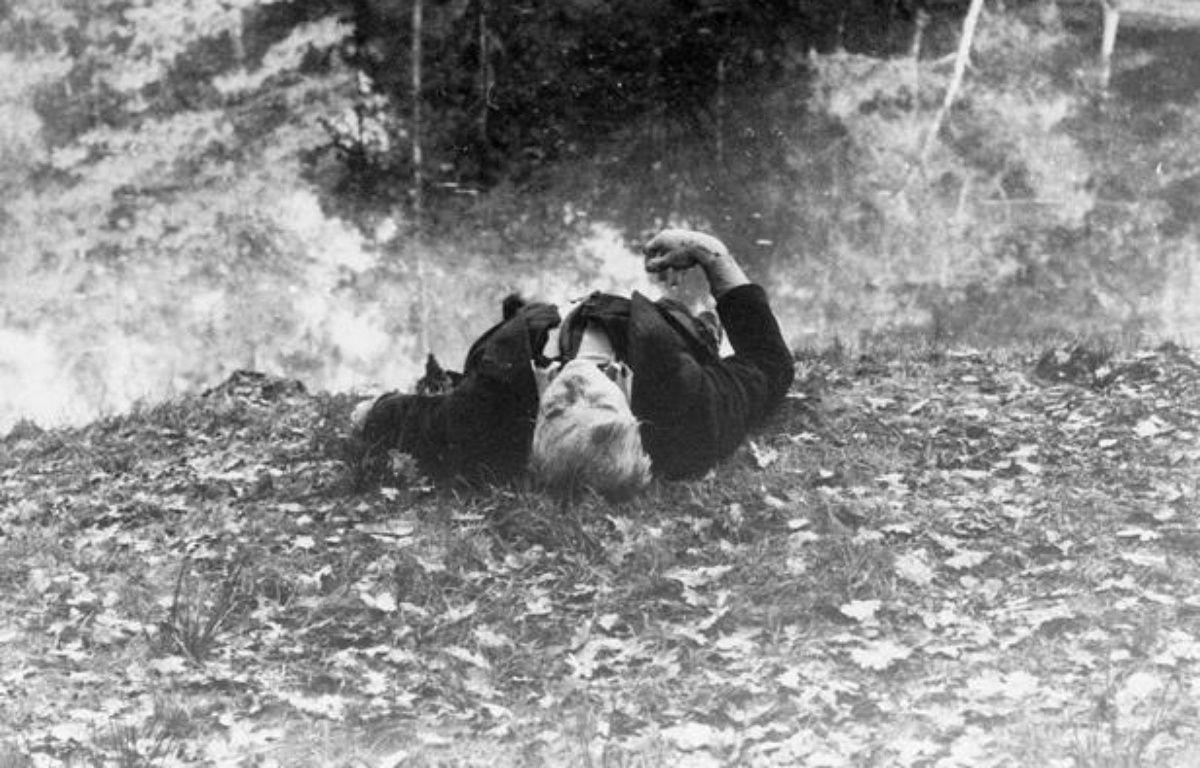 Le corps de Robert Boulin, le 30 octobre 1979. – LAURENT XYZ/SIPA