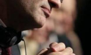 """Le secrétaire général de l'UMP, Patrick Devedjian, a souhaité mercredi, à quelques jours du premier tour des municipales, que le président de la République s'exprime car """"c'est le moment de cadrer les choses"""" face à """"la campagne ad hominem"""" dont il est la cible."""