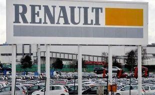 Renault a annoncé lundi sa volonté d'assurer l'indemnisation du chômage partiel à hauteur de 100% du salaire net des agents de production et de maîtrise, notamment en sollicitant les cadres et ingénieurs qui devront abonder un fonds par des jours de RTT.