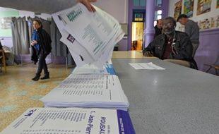 Un bureau de vote à Roubaix lors du 1er tour des élections municipales.